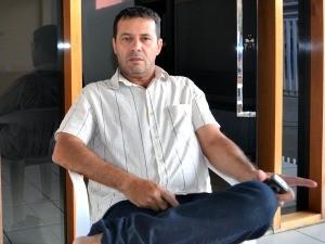 O empresário Célio José Tavares  afirma que investirá fora do país (Foto: Mônica Santos/G1)