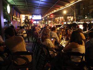 Projeto de lei quer que bares e casas noturnas fecham à meia noite durante a semana. (Foto: Cristino Martins / O Liberal)