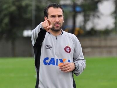 Sérgio Vieira; técnico; sub-23; Atlético-PR (Foto: Site oficial do Atlético-PR/Divulgação)