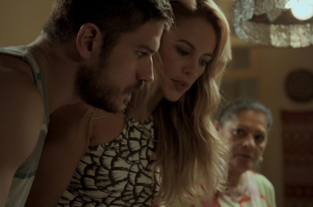 Zeca (Marco Pigossi) e Jeiza (Paolla Oliveira) irão se conhecer em 'A força do querer' (Foto: Reprodução)