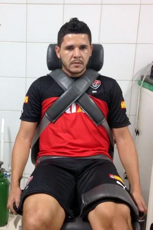 Diego Renan; Vitória (Foto: Divulgação/EC Vitória)