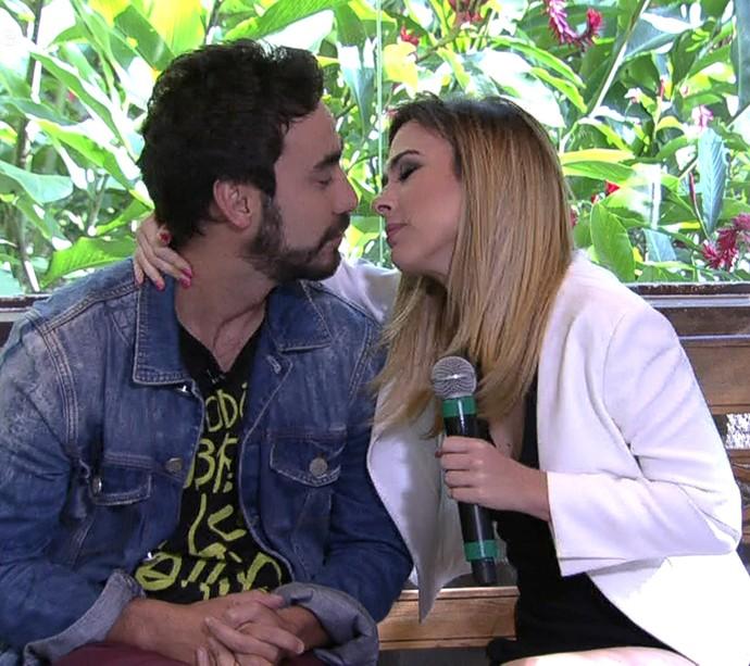 Tatá Werneck e Gabriel Godoy: será que rolou beijo? (Foto: TV Globo)
