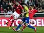 Brasileiros finalizam de primeira e disputam gol internacional mais bonito