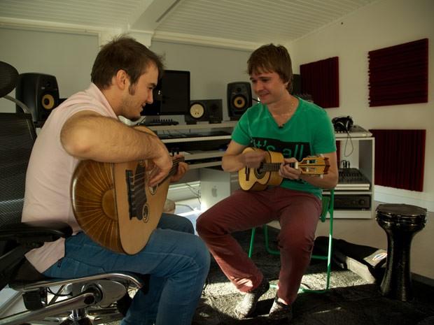 O produtor musical Guto Guerra, que apresenta o programa Música na Mochila, na Turquia (Foto: Divulgação)
