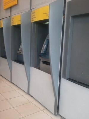 Criminosos colocam explosivos em caixa eletrônico de Saltinho (Foto: Divulgação/Polícia Militar)