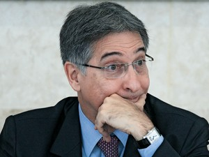 INVESTIGAÇÃO O MP vasculha contratos sem licitação firmados com fundação criada pelo ministro (Foto: Ueslei Marcelino/Reuters)