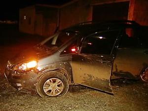carro roubado Araxá (Foto: Reprodução/TV Integração)