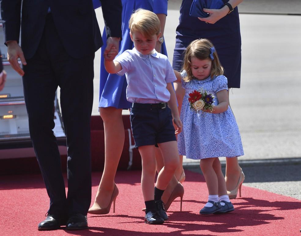 Príncipe George e princesa Charlotte Elizabeth Diana desembarcam em Berlim  (Foto: Bernd Von Jutrczenka/dpa via AP)
