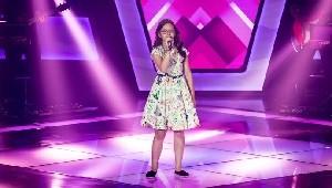 Mariana de Medeiros no palco do 'The Voice Kids' (Foto: Divulgação/Gshow)