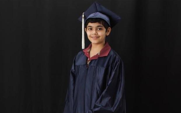 Tanishq Abraham, o menino de 12 anos que foi aprovado em duas faculdades (Foto: Bijou Abraham)