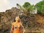 Aos 43 anos, Anna Lima mostra corpo definido em foto de biquíni