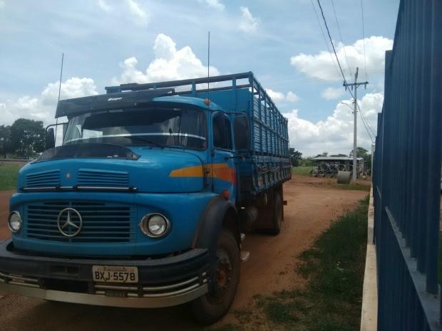 Caminhão estava com cabeças de gado furtadas (Foto: Assessoria/Gefron-MT)