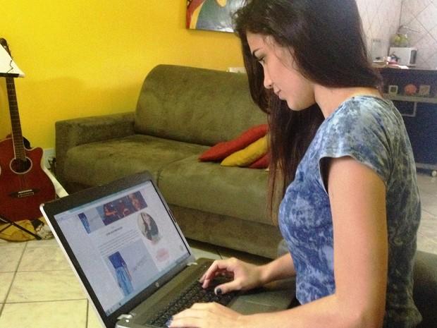 Lai Danta de 21 anos foi aprovado em 1º lugar para jornalismo na UFRR (Foto: Jackson Félix/ G1 RR)