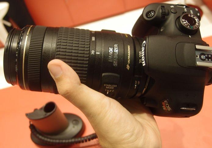 Parte superior do Rebel T5 da Canon (Foto: Pedro Zambarda/TechTudo) (Foto: Parte superior do Rebel T5 da Canon (Foto: Pedro Zambarda/TechTudo))