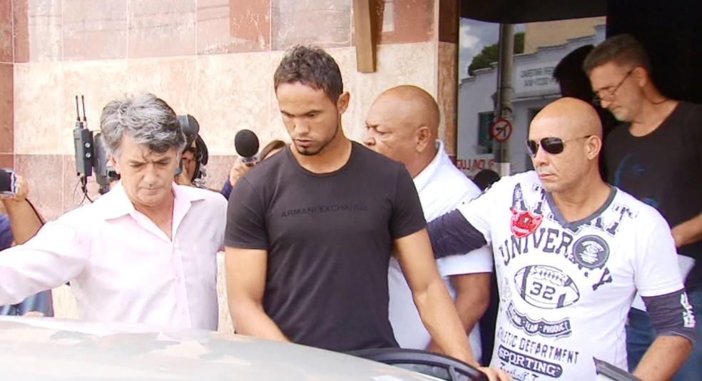 Goleiro Bruno Fernandes é preso em Varginha (Foto: Régis Melo)