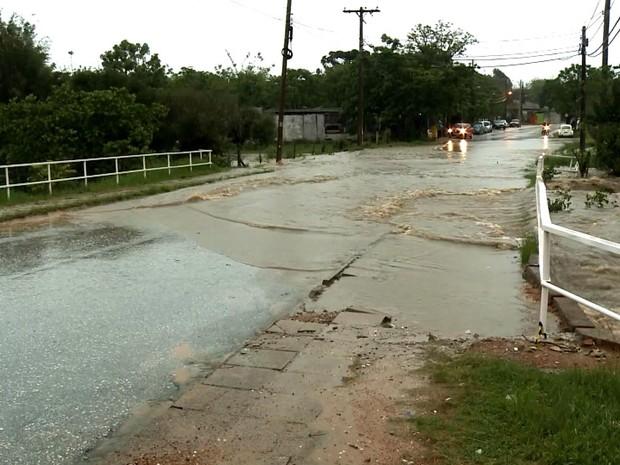 Bagé, chuva, rs, temporal (Foto: Reprodução/RBS TV)