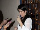 Samara Felippo exibe barriguinha de cinco meses de gravidez