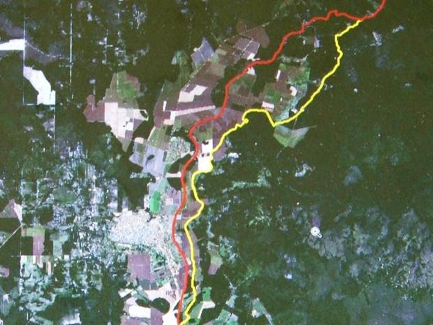 Linha vermelha é a antiga demarcação; amarela é a nova divisa. (Foto: IBGE/ Divulgação)