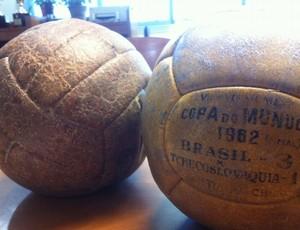 'Jeitinho brasileiro' garante bolas das finais de 58 e 62 em museu (Leandro Canônico/GLOBOESPORTE.COM)