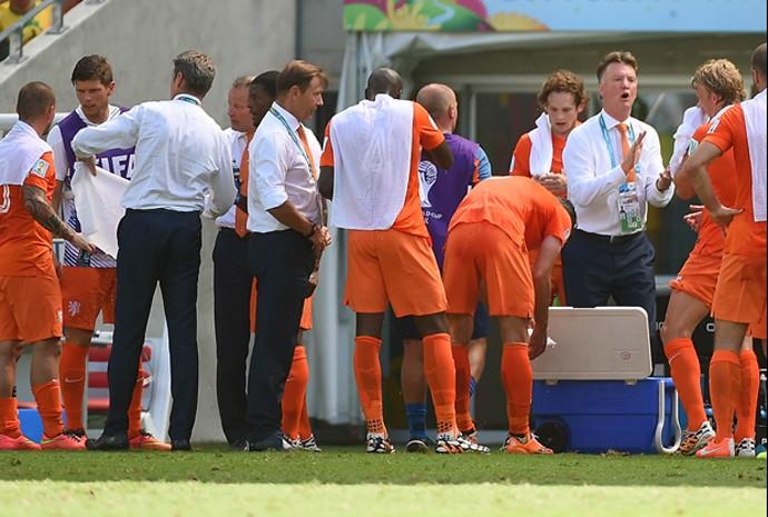 Holanda x México no Castelão, em Fortaleza, teve parada técnica de 3 minutos por conta do calor
