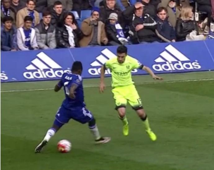 BLOG: Jesús! City tira onda com o Chelsea após caneta de Navas em Baba Rahman