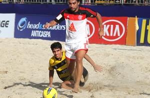 Júnior e Filho Futebol de Areia Flamengo (Foto: Rodrigo Gama)