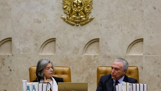 Ministra Cármen Lúcia e o presidente Michel Temer durante visita Protocolar ao Supremo Tribunal Federal pela data de Aniversário da Constituição Federal (Foto: Beto Barata/PR)