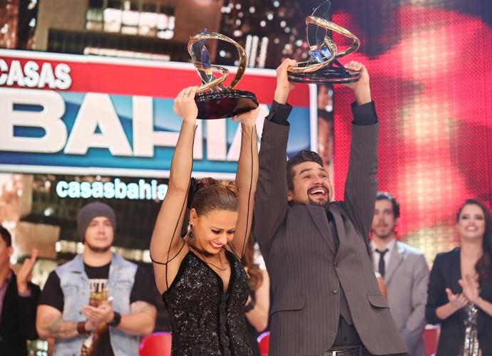 Vencedores foram aplaudidos de pé (Foto: Carol Caminha/Gshow)