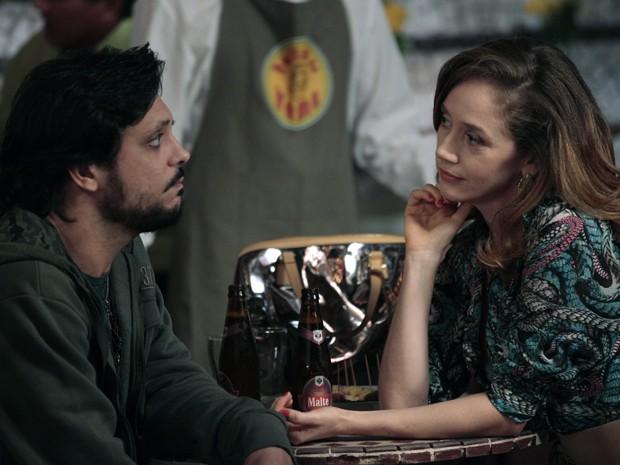 Cris faz proposta e surpreende Tuco (Foto: A Grande Família / TV Globo)