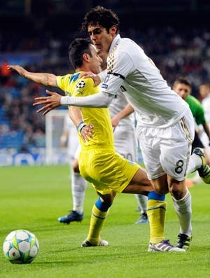 kaka real madrid x apoel (Foto: Reuters)
