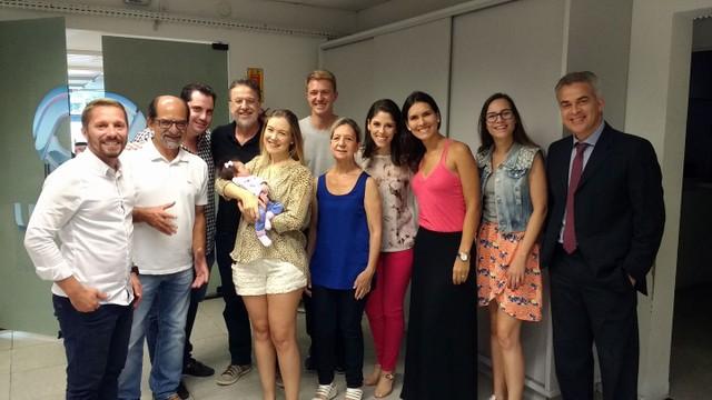 Equipe da RBS TV Blumenau conheceu a pequena Alice (Foto: RBS TV/Divulgação)