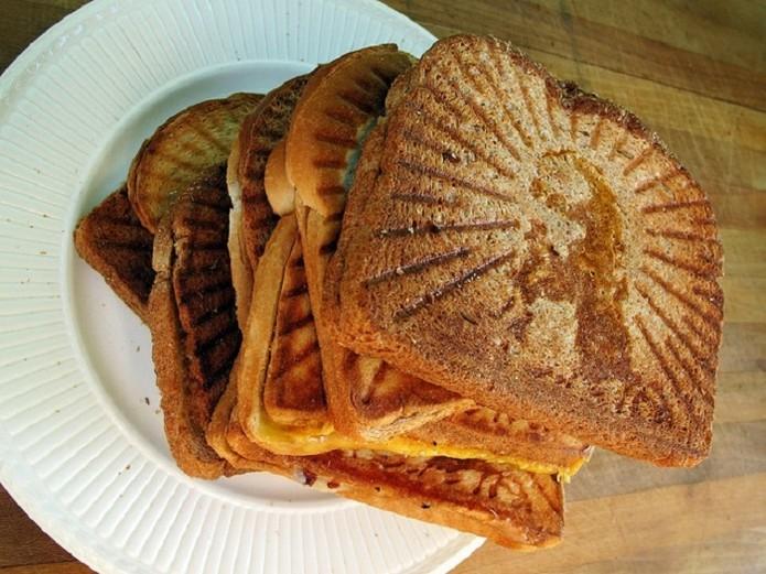 Grilled Cheesus é uma sanduicheira que imprime o rosto de Jesus (Foto: Divulgação/Kickstarter)