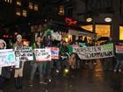 Capixabas na Alemanha protestam por causa da lama no Rio Doce
