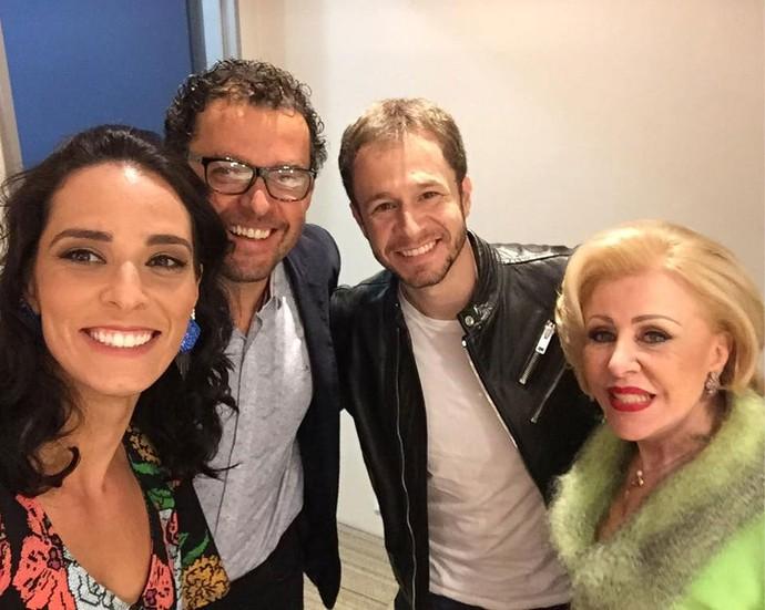 Agatha fez selfie com os colegas do júri do Dança dos Famosos: Fernando Rocha, Tiago Leifert e Maria Pia (Foto: Reprodução/ Redes sociais)