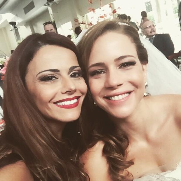 Viviane Araújo e Leandra Leal de noiva (Foto: Instagram)
