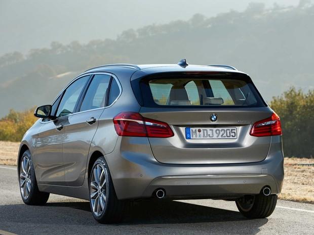 (W246): BMW vai lançar o concorrente da Classe B no segundo semestre de 2014 P90141696_highres