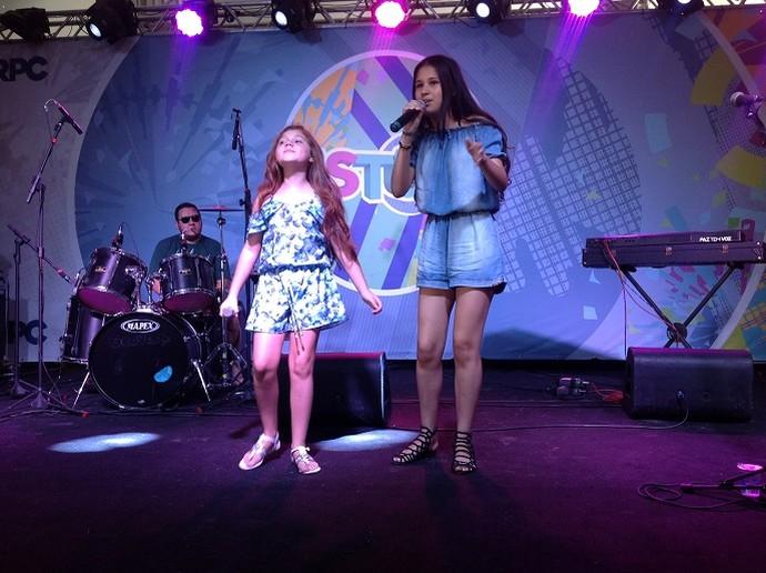 Flávia e Ystefani mostraram todo o talento no palco do programa (Foto: Divulgação/RPC)