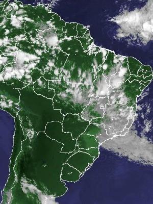Imagem de satélite capturada na tarde desta quarta-feira (6) (Foto: Reprodução/Cptec/Inpe)