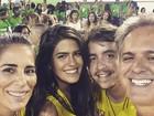 Antonia Morais e namorado posam com Glória Pires e Orlando Morais