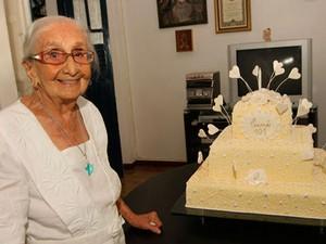 Dona Canô em 2008, quando completou 101 anos (Foto:  Edgar de Souza/G1)