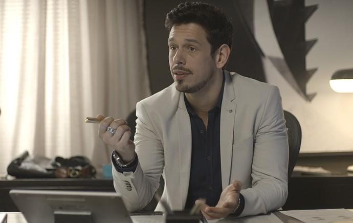 Lázaro recebe proposta de Gordo (Foto: TV Globo)