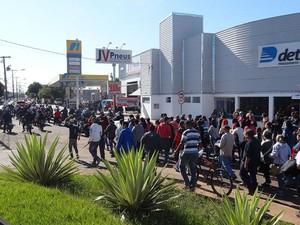 Fechamento de empresa está previsto para sexta-feira (17) (Foto: Osvaldo Bento/Debate Notícias)