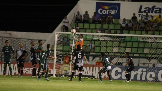 Icasa x Ceará pela Série B, no Estádio Romeirão (Foto: Normando Sóracles/ Agencia Miséria)