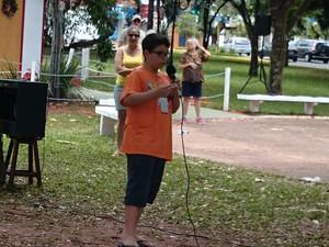 Pedro Leme, de 11 anos, fez discurso sobre problemas sociais do Brasil (Foto: Paola Patriarca/G1)