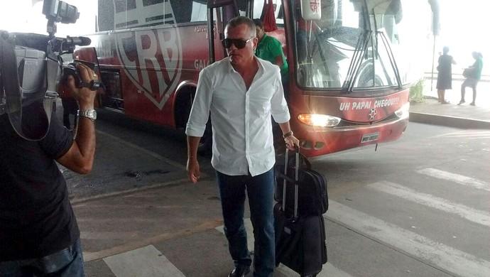 Mazola Junior crb (Foto: Leonardo Freire/GloboEsporte.com)