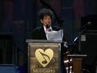 Bob Dylan discorre sobre as raízes de sua música durante homenagem