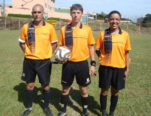 &#193;rbitra Mara Naz&#225;rio Ferreira, do campeonato amador de foz (Foto: Arquivo Pessoal)