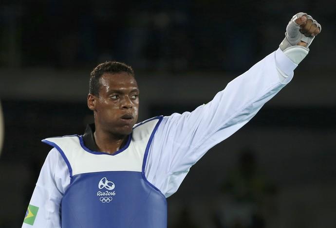 Maicon Andrade x M'Bar N'Diaye (Foto: Issei Kato/ Reuters)