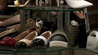 Mulheres optam cada vez mais por sapatos confortáveis no trabalho