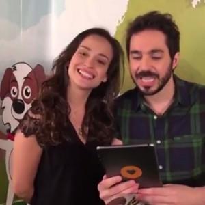 Depois de aprender a coreografia de 'Tito Cachorrinho e Sua Turma', atores interagem com fãs (Foto: Gshow)